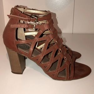 SO Heels